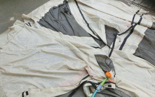 カマボコテント2をゴミ袋撤収