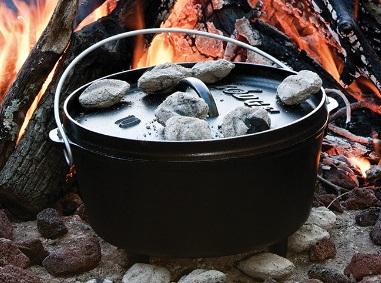 ダッチオーブンは必要か?まだ持っていないキャンプの定番アイテム