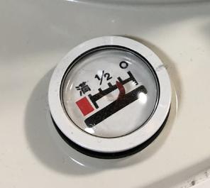 コロナ石油ストーブの給油メーター