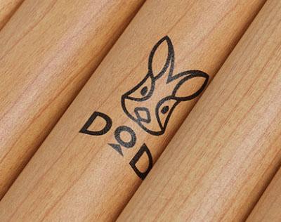 これは欲しい!DODよりおしゃれな木目調ビッグタープポールが新発売!